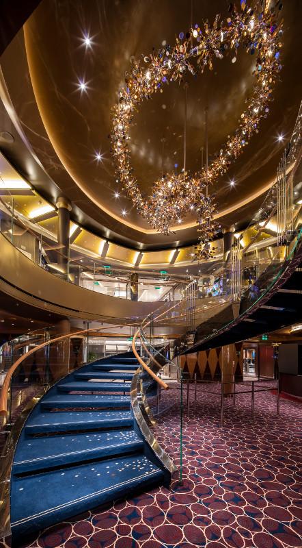 Een van de trappen op het schip