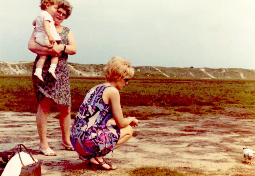 Met mama en oma in het Zwin 1973